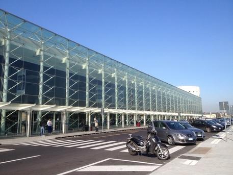 All'aeroporto di Catania accede solo chi ha il biglietto di volo