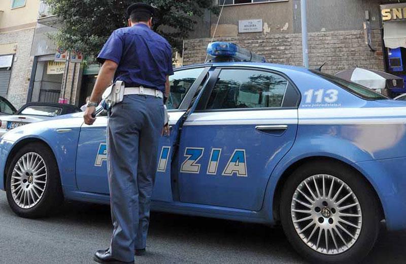 Messina / Riconosce refurtiva su una bancarella al mercatino delle pulci.  La Polizia denuncia ambulante per ricettazione