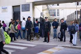 """Scuola distrutta a Mili S.Pietro. Tre i """"ladri di merendine"""" denunciati dalla Polizia  Incendio doloso pluriaggravato il reato contestato"""