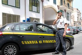 CAVA DE' TIRRENI (SA): LA GUARDIA DI FINANZA SCOPRE UN FALSO CIECO ASSOLUTO, DENUNCIANDOLO A PIEDE LIBERO ALL'A.G.