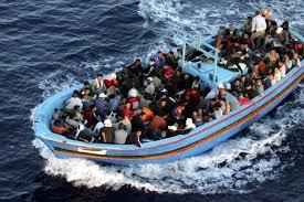 La Polizia a Pozzallo (RG) ferma equipaggio di 6 scafisti egiziani (di cui uno minore), responsabili di aver condotto in Italia 208 migranti