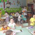 Insegnanti manesche coi bimbi dell'asilo / La Polizia di Stato di Avellino arresta un'insegnante 58enne in asilo.