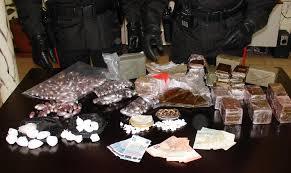 Novara, arrestato davanti al carrefour con oltre 10 kg di droga