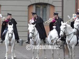 La Polizia di Stato al Centro Commerciale Porta di Roma con la fanfara a cavallo