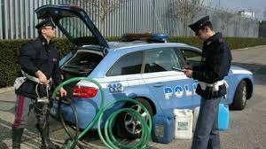 Verona, la stradale arresta 2 persone e ne denuncia oltre 30 per contrastare il fenomeno patenti ottenute col metodo fraudolento