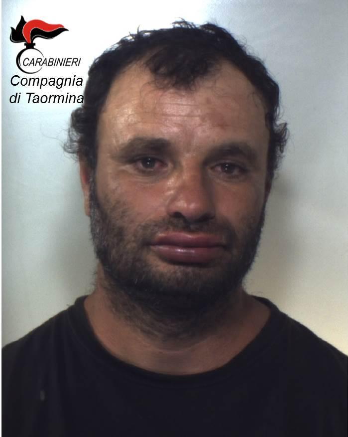 Santa Teresa di Riva(ME), Carabinieri arrestano un cittadino romeno per furto, lesioni, violenza, resistenza a pubblico ufficiale e porto abusivo di arma da taglio