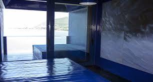"""25 giugno – INAUGURAZIONE DELLA NUOVA STANZA """"IO SONO IL BLU""""  al museo albergo d'arte contemporanea Atelier sul Mare (Castel di Tusa)"""