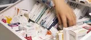 Cresce il numero di italiani che si rivolge a canali non ufficiali  per l'acquisto di farmaci