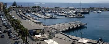 """Sequestrato Yacht battente bandiera Panama ormeggiato nel porto turistico """"Marina del Nettuno"""" di Milazzo"""