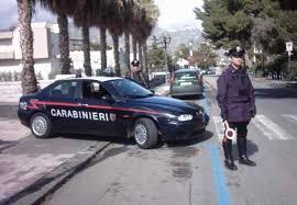 Taormina (ME) – Località Mazzeo – Nella notte rubano alcolici e gelati dal bar di un lido ma vengono bloccati dai Carabinieri del Radiomobile