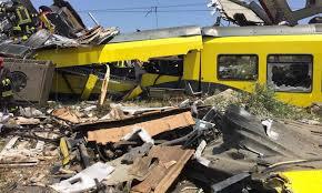 Gli esperti del nucleo specializzato in disastri ferroviari della Polizia di Stato sono al lavoro affiancando i colleghi del Compartimento Polfer della Puglia