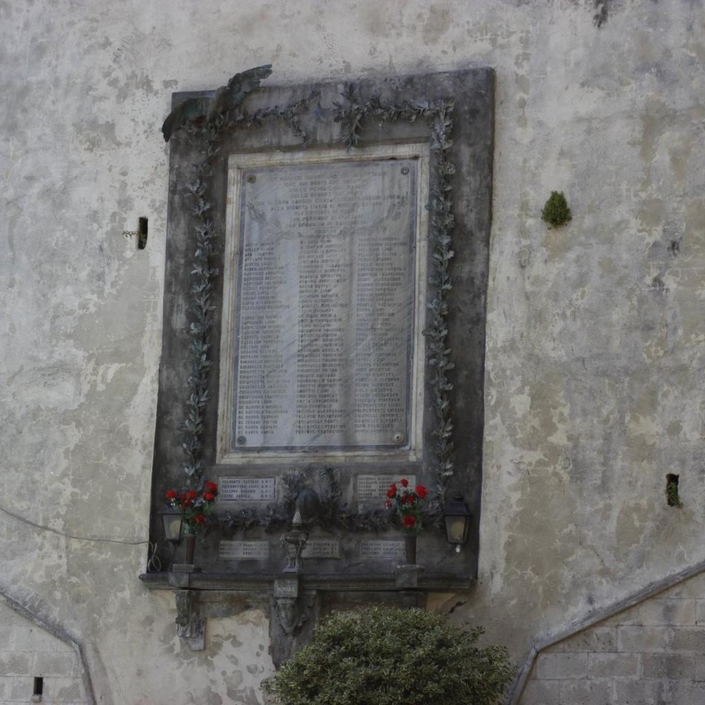 IL RESTAURO DEL MONUMENTO AI CADUTI DI RENDE