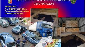 ARRESTATO PASSEUR DALLA POLIZIA DI FRONTIERA DI VENTIMIGLIA E DALLA POLIZIA DI FRONTIERA FRANCESE – ALL'INTERNO DEL FURGONE  TROVAVANO 2 BAMBINI IN TENERA ETA'.