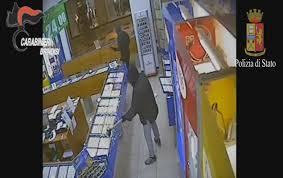 Lecce. La Polizia di Stato arresta rapinatori di una gioielleria