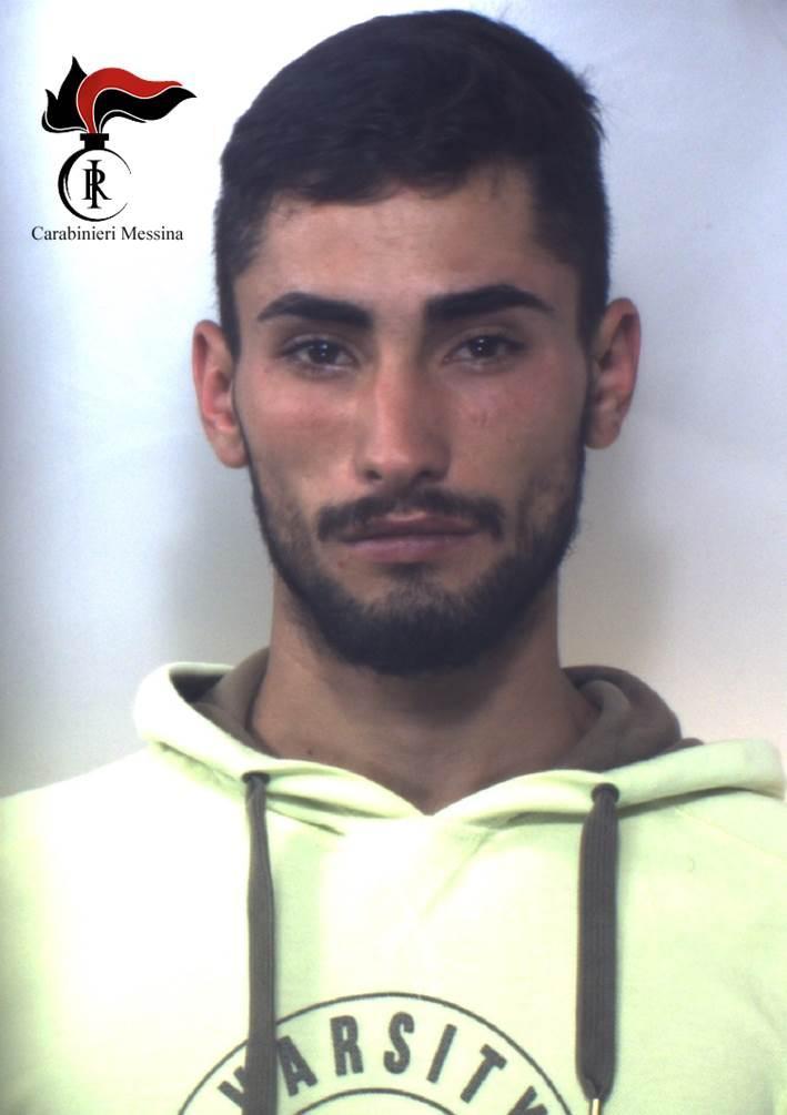 Letojanni: arrestato dai Carabinieri di Taormina dopo aver distrutto in piena notte un bar per derubarlo