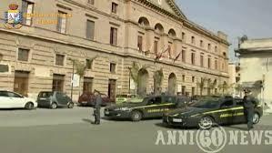 """Guardia di Finanza. Milazzo (Me): Operazione """"Libera uscita"""". Denunciati 59 dipendenti assenteisti del Comune"""