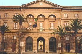 Milazzo, alle prese con i furbetti del cartellino: un sistema di assenteismo diffusissimo in tutta Italia