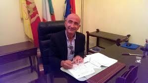 Milazzo, assenteismo: il sindaco sospende i 59 dipendenti