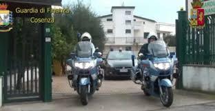 LA POLIZIA DI STATO E LA GUARDIA DI FINANZA DI COSENZA ESEGUONO 39 MISURE CAUTELARI E OLTRE 70 PERQUISIZIONI
