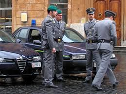 I finanzieri del Comando Provinciale di Catania hanno eseguito 12 arresti domiciliari e 7 provvedimenti di obbligo di presentazione alla polizia giudiziaria
