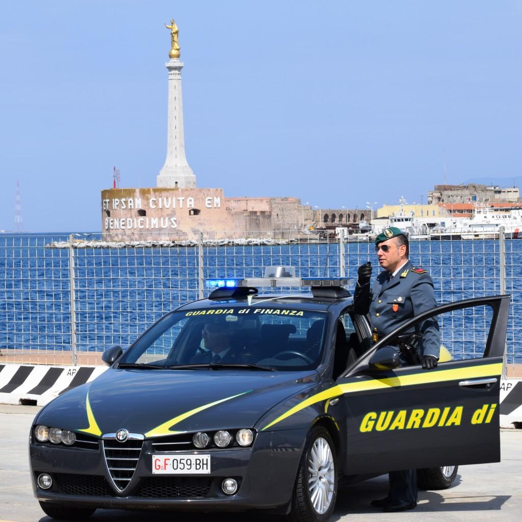 Guardia di finanza, Messina: sequestrati diciotto chilogrammi di marijuana. Arrestato un responsabile