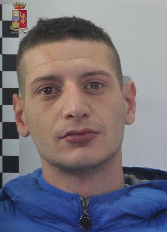 """La Polizia arresta 24enne per evasione   Era stato ristretto ai domiciliari nell'ambito dell'Operazione di Polizia """"Matassa"""""""