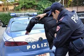 La Polizia di Stato di Caltanissetta ha arrestato due noti pregiudicati nisseni per rapina aggravata e aggressioni nei confronti di due persone disabili