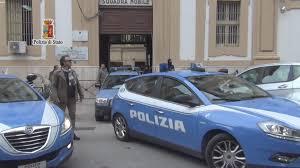 LA POLIZIA DI STATO DI PALERMO FERMA UN GIOVANE RAPINATORE SERIALE DIVENTATO IL TERRORE DI SUPERMERCATI E FARMACIE