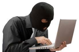 Truffe sul web. La Polizia arresta truffatore seriale. In tanti caduti nella sua rete