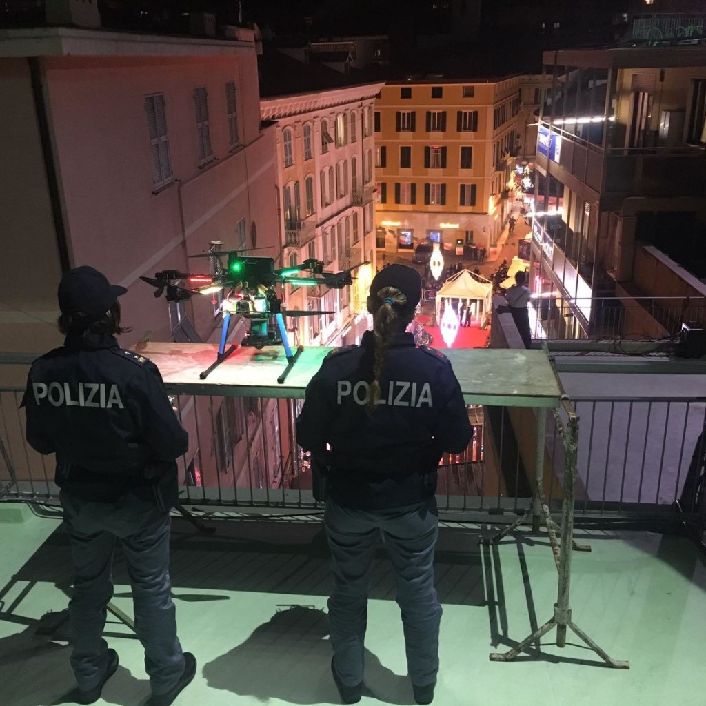 Sanremo, controllo del territorio – Polizia di Stato: DRONE da tetto Ariston pronto al decollo