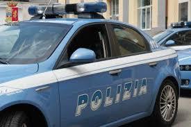Ruba un'auto in centro e fugge in direzione Palermo
