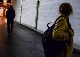 NETTUNO. GIA' CONDANNATO PER STALKING NEI CONFRONTI DELLA EX COMPAGNA, MINACCIA, INGIURIA E SPARA UNA FUCILATA SULL'AUTOVETTURA DEGLI EX SUOCERI: ARRESTATO DALLA POLIZIA DI STATO UN 34ENNE
