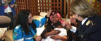 La bambina ivoriana di 4 anni, Oumoh, ha potuto riabbracciare la mamma bloccata per 5 mesi in Tunisia