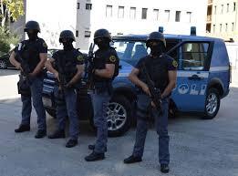 CAGLIARI – LA POLIZIA DI STATO CATTURA LATITANTE IN MESSICO, GRAZIE ALLE FOTO POSTATE SU FACEBOOK