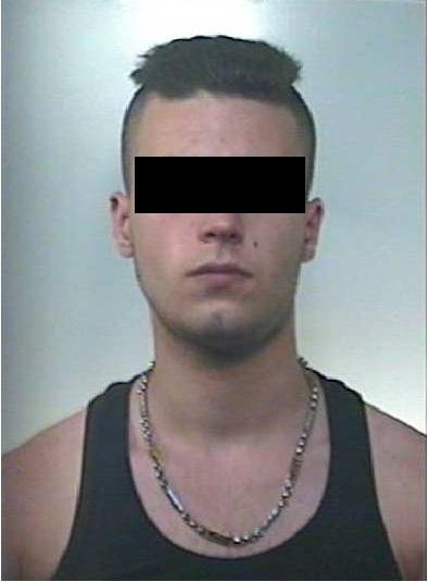 """Matera. Giovane 22enne rapina un anziano con un coltello alla gola: """"Ti ammazzo!"""". Rintracciato e arrestato dai Carabinieri"""