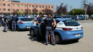 """""""Polizia di Stato, operazione WHINE & CHEESE: smantellato gruppo dedito al furto di vino pregiato e forme di parmigiano reggiano"""""""