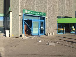 Tentano di rubare il bancomat a Bellante Stazione ma poi l'abbandonano per l'intervento dei Nor