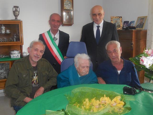 Il sindaco omaggia i 100 anni di Giuseppa Corso