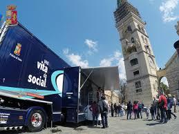 """""""Una vita da social"""" – Edizione 2017. Arriva a Messina il truck firmato Polizia di Stato"""
