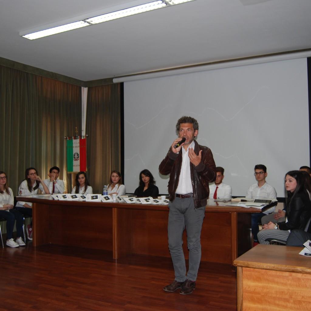 Incontro con l'autore: Ninni Bruschetta al Majorana di Milazzo
