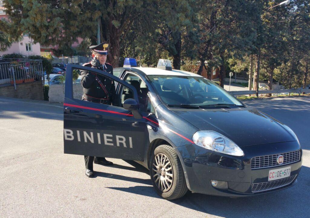 Acquedolci, guida a zig zag nel centro abitato sotto i fumi dell'alcol e viene arrestato dai Carabinieri dopo un inseguimento perché non si ferma all'alt