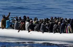 La Polizia di Stato ha eseguito un fermo di indiziato di delitto emesso dalla Procura della Repubblica – D.D.A. di Palermo, nei confronti di un somalo 23enne,  individuato presso l´hotspot di Lampedusa.