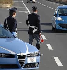 Aprilia, la Polizia stradale lancia l'allarme per un consistente incendio