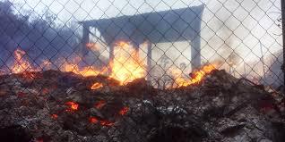 Incendio a Forza D'Agrò: mentre le fiamme lambivano la sua abitazione l'anziana donna portata a braccio dal comandante della locale stazione dei carabinieri