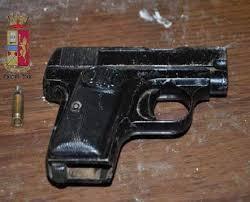 Pistola carica e cocaina sequestrate dalla Squadra Mobile della Questura di Messina