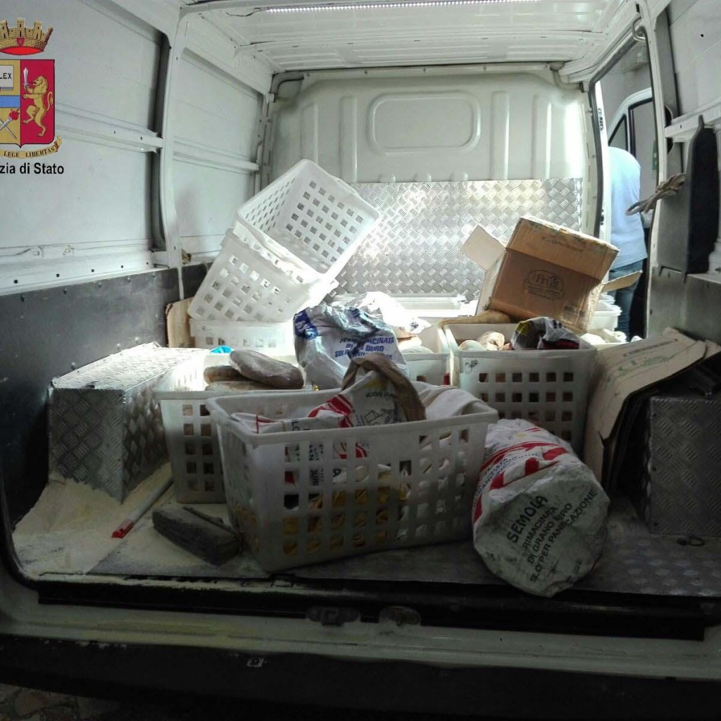 Pessima conservazione e condizioni igieniche ai minimi termini: la Polizia di Stato sequestra alimenti