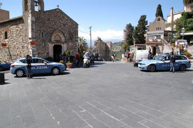 Sospese le licenze dei ristoranti protagonisti della rissa di Taormina