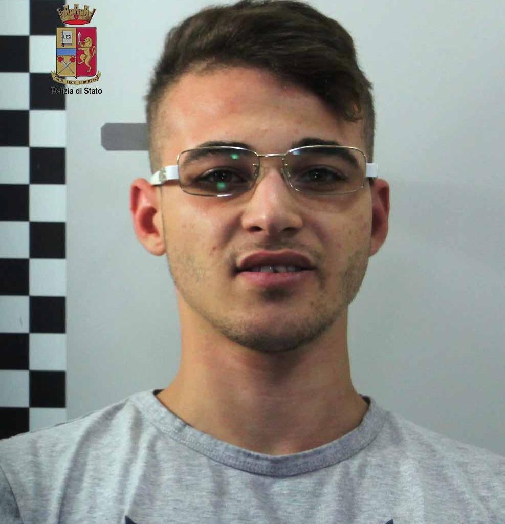 Cocaina e marijuana in casa. La Polizia arresta pusher