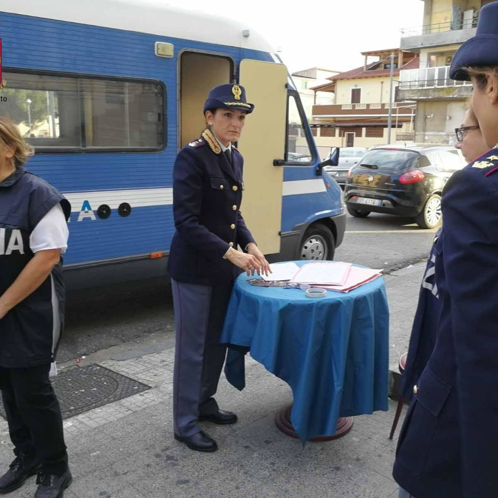 Progetto Camper. La Polizia di Stato contro la violenza di genere
