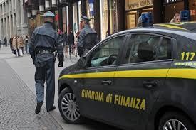 La Guardia di Finanza di Milano esegue una serie di provvedimanti cautelari nei confronti di numerosi soggetti